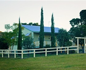 Milford Country Cottages - Victoria Tourism