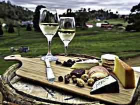 28 gates Luxury Farmstay and Fishery - Victoria Tourism