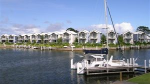 Captains Cove Resort - Victoria Tourism