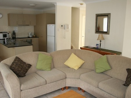 Pacific Sun Gold Coast Holiday Townhouse - Victoria Tourism