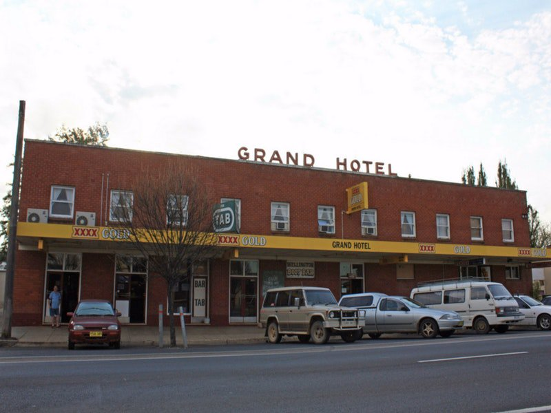 Grand Hotel Wellington - Victoria Tourism