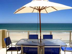 Adelaide Luxury Beach House - Victoria Tourism