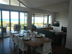 Cassini Beach House - Victoria Tourism