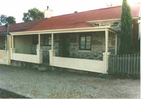 Lavender Cottage Bed And Breakfast Accommodation - Victoria Tourism