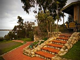 Ulonga Lodge - Victoria Tourism