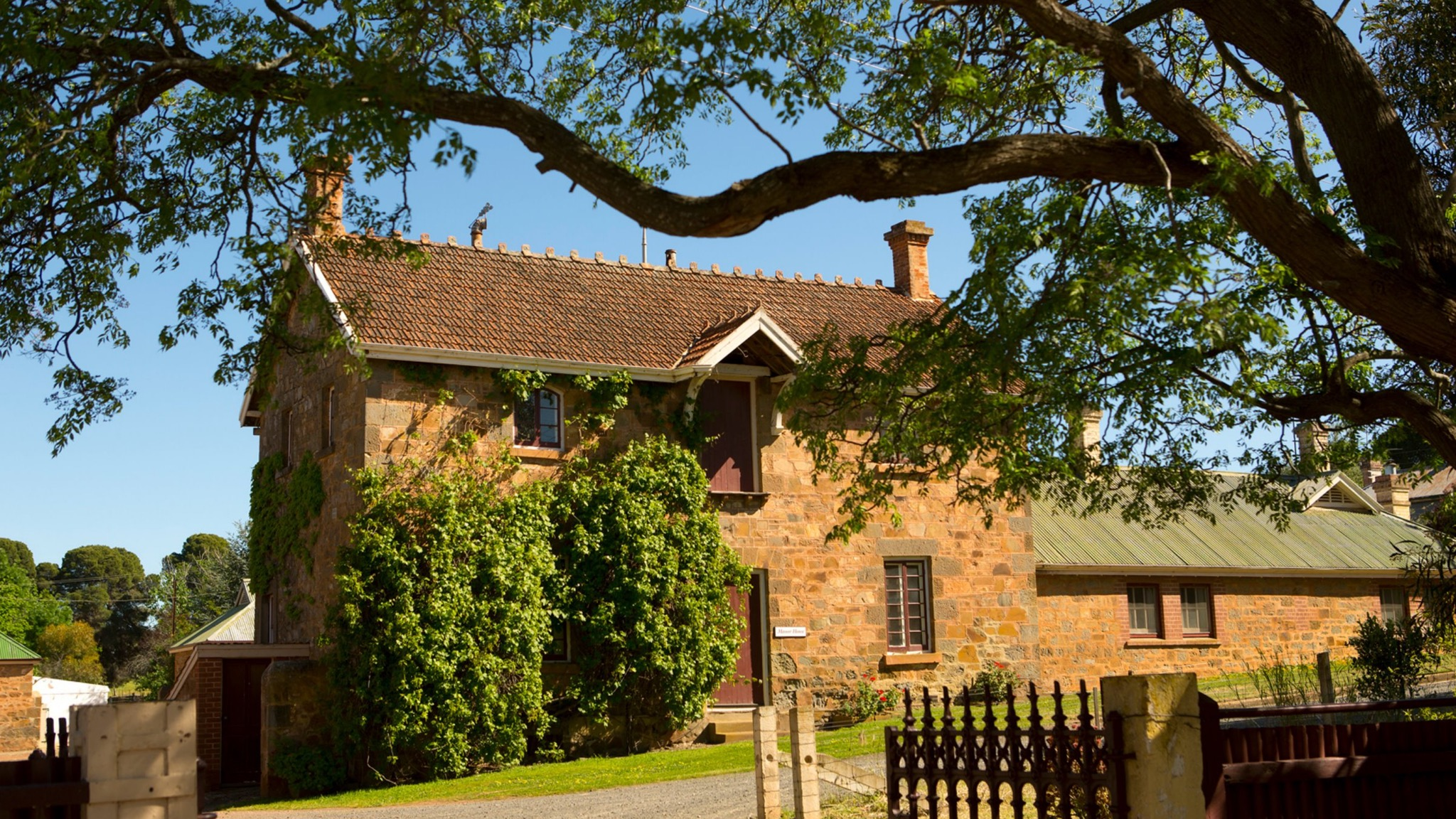 Anlaby Bed  Breakfast - Victoria Tourism