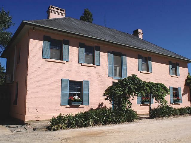 Briars Country Lodge and Briars Historic Inn - Victoria Tourism
