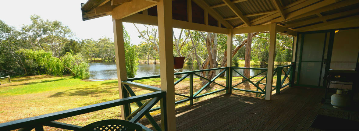 Bushy Lake Chalets - Victoria Tourism