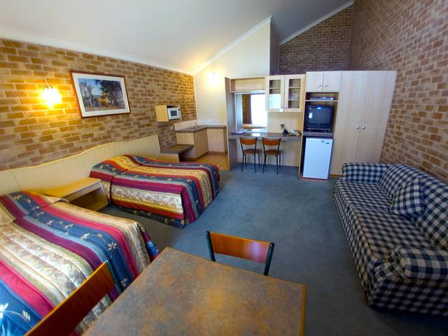 Country Gardens Motor Inn - Victoria Tourism