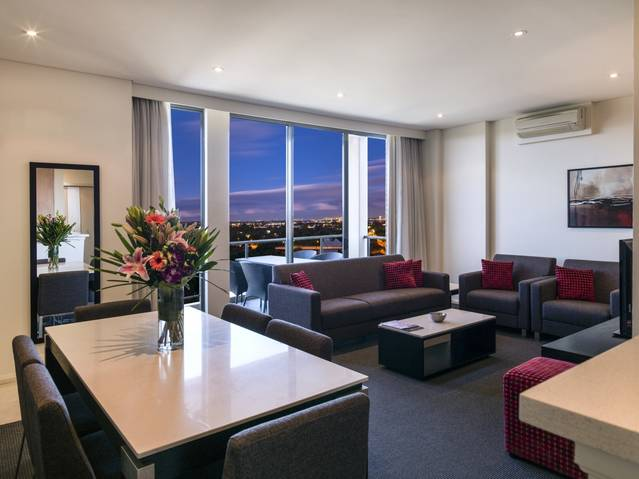 Meriton Serviced Apartments Parramatta - Victoria Tourism