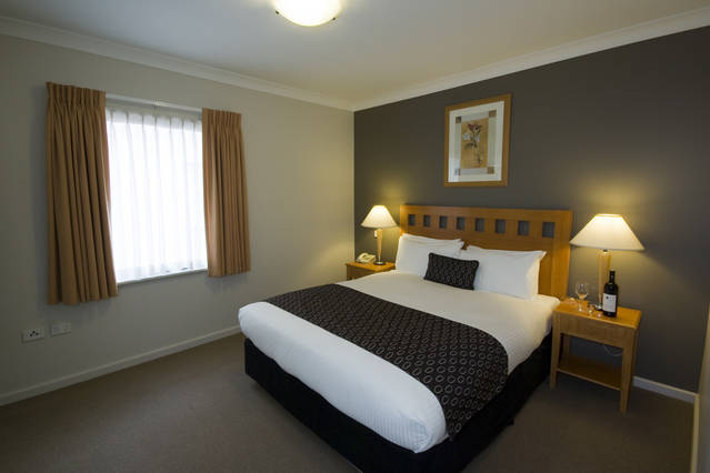 Mounts Bay Waters Apartment Hotel - Victoria Tourism
