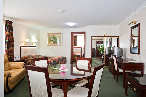 Quality Inn Ambassador Orange - Victoria Tourism