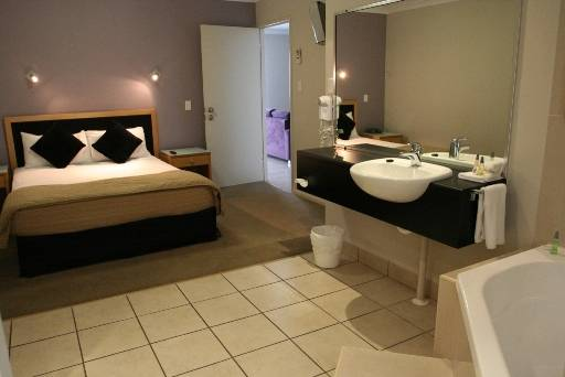 Windmill Motel and Reception Centre