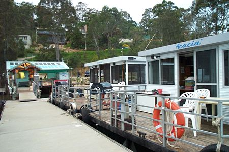 Clyde River Houseboats - Victoria Tourism