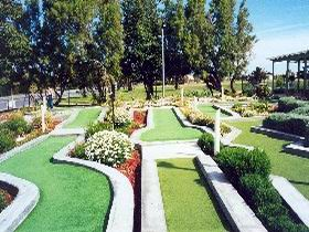 West Beach Mini Golf - Victoria Tourism