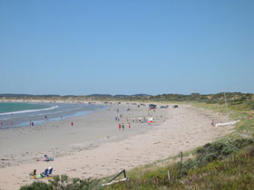 Long Beach at Robe - Victoria Tourism