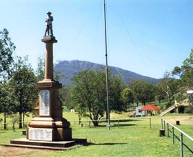 Maroon State School War Memorial - Victoria Tourism