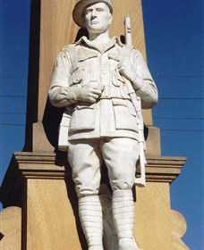 Beaudesert War Memorial - Victoria Tourism