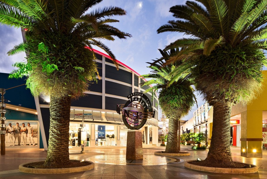 Harbour Town Outlet Shopping Centre - Victoria Tourism