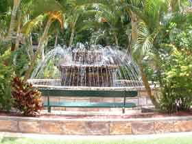 Bauer and Wiles Memorial Fountain - Victoria Tourism