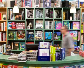 Lorne Beach Books - Victoria Tourism
