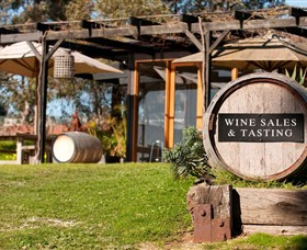 Saint Regis Winery Food  Wine Bar - Victoria Tourism