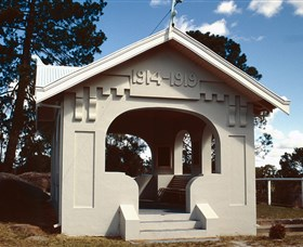 Stanthorpe Soldiers Memorial - Victoria Tourism