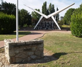 Southern Cloud Memorial - Victoria Tourism