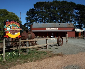 Sully's Cider at the Old Cheese Factory - Victoria Tourism