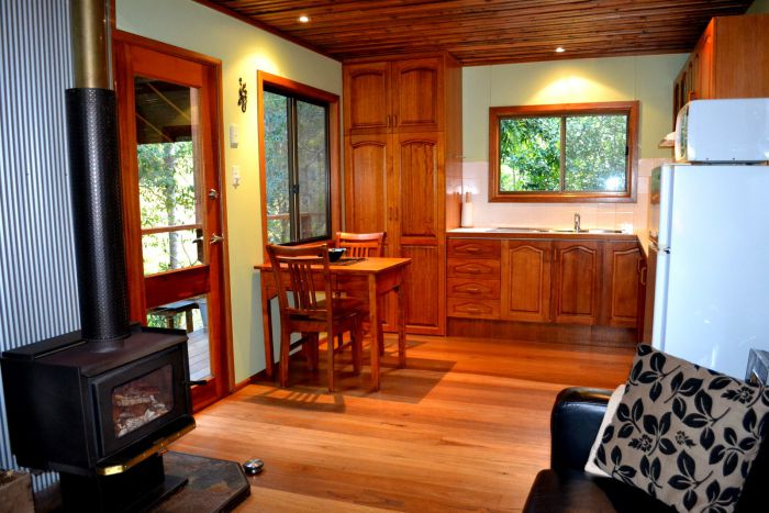Waterfall Hideout-Rainforest Cabin for Couples - Victoria Tourism