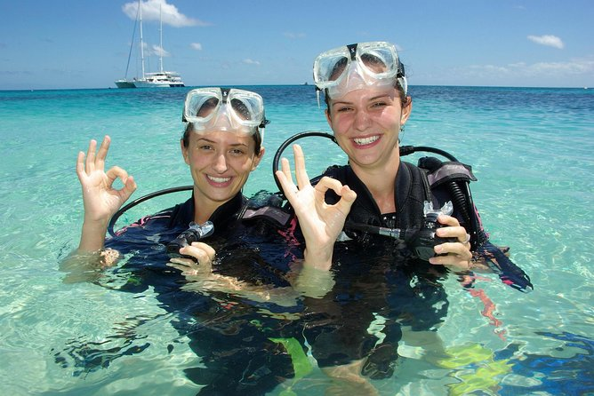Ocean Spirit Michaelmas Cay Dive and Snorkel Cruise from Palm Cove - Victoria Tourism