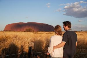Uluru Ayers Rock Sunset with Outback Barbecue Dinner and Star Tour - Victoria Tourism