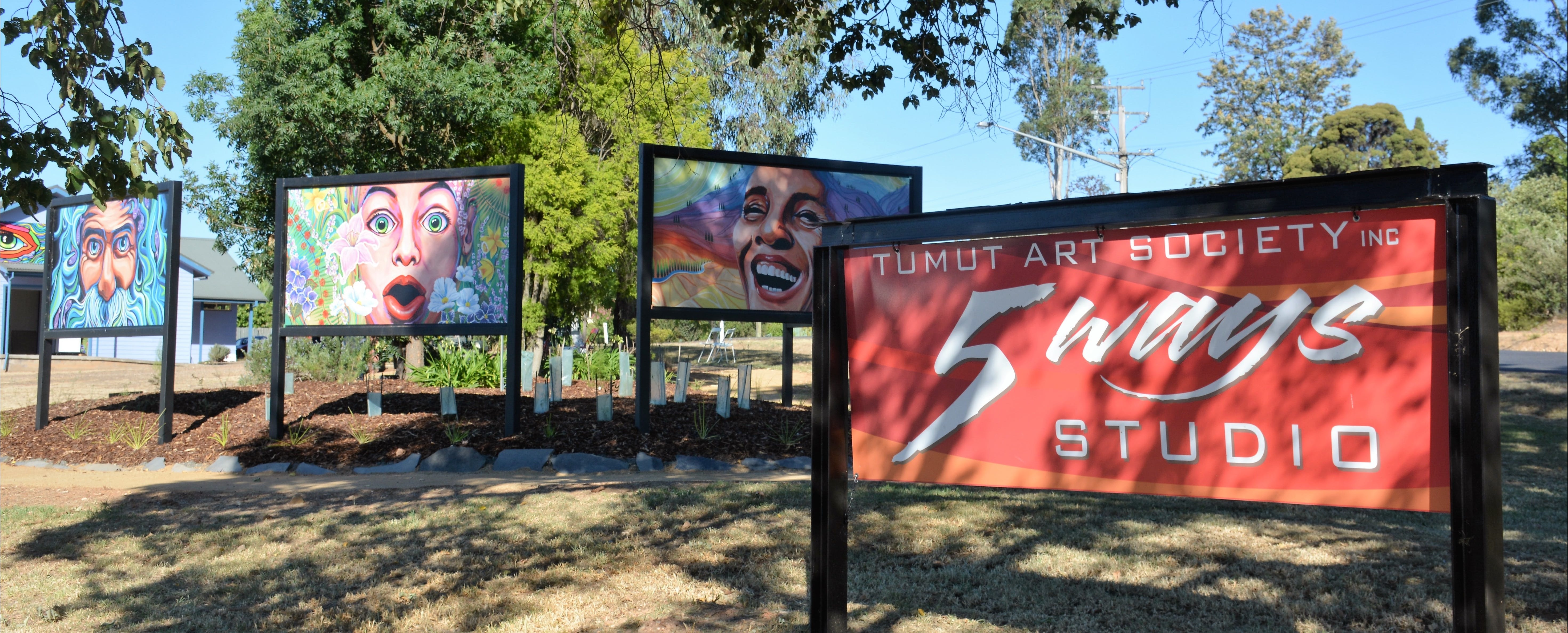 Tumut Art Society 5Ways Gallery - Victoria Tourism