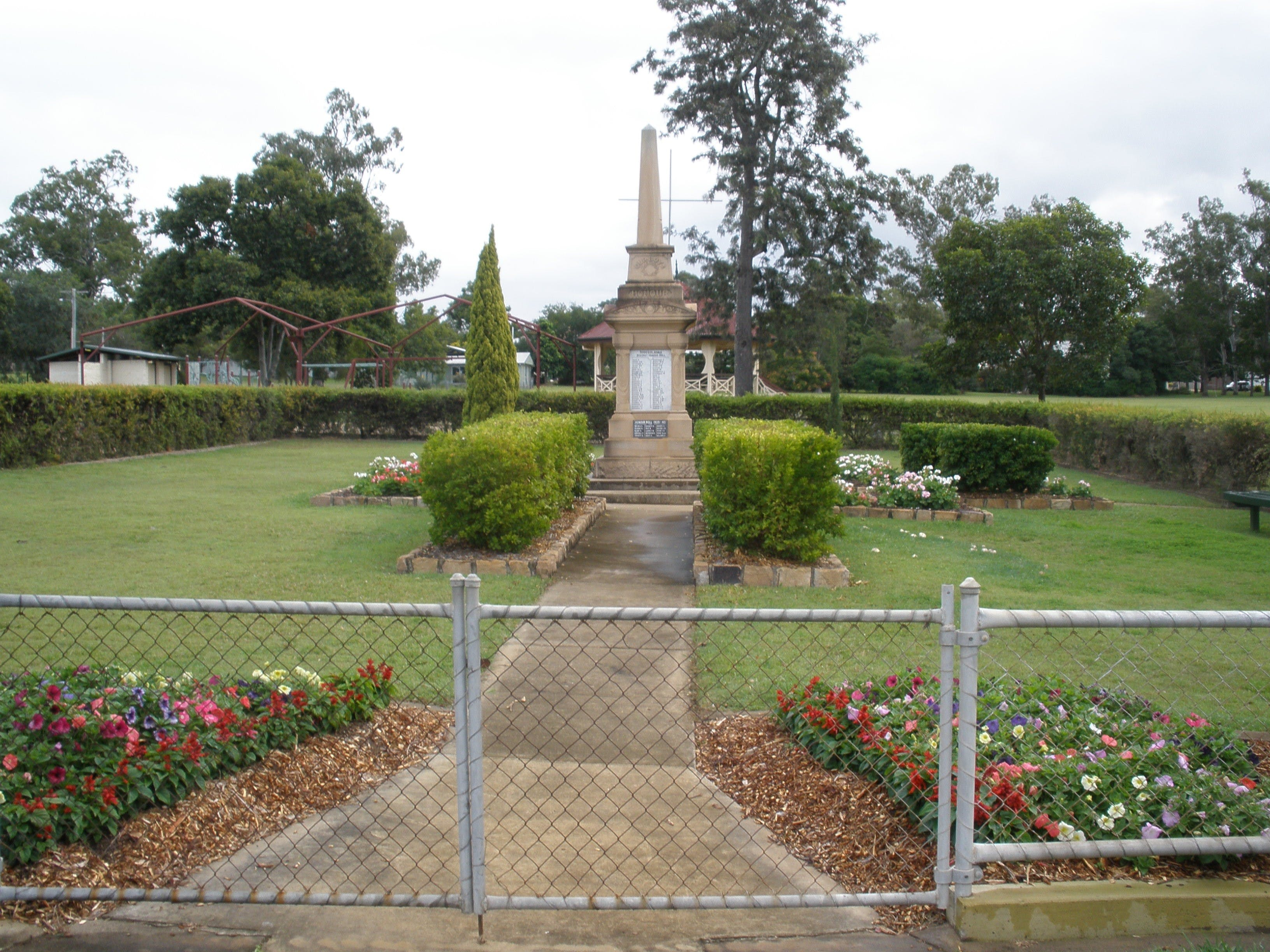 McConnell Park and Toogoolawah War Memorial - Victoria Tourism