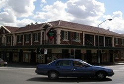 Keighery Hotel - Victoria Tourism