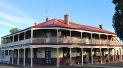 Brookton Club Hotel - Victoria Tourism