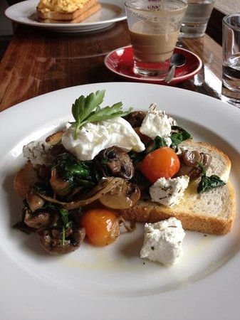 The Lower Deck Cafe - Victoria Tourism