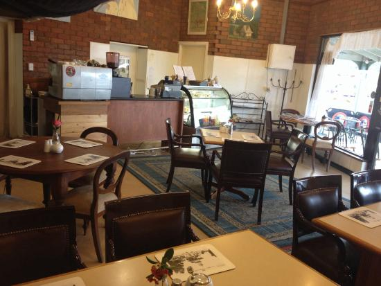 Beaufort Park Cafe - Victoria Tourism