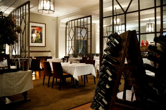 The Argus Dining Room - Victoria Tourism