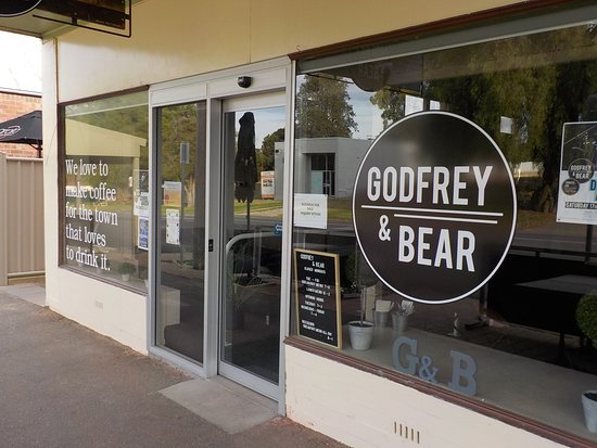 Godfrey and Bear - Victoria Tourism