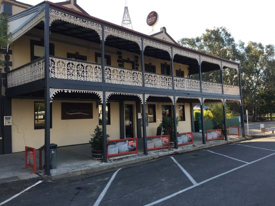 The Creekside Hotel - Victoria Tourism