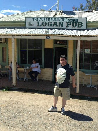 The Logan Pub - Victoria Tourism