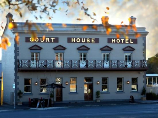 The Courthouse Hotel Bistro - Victoria Tourism
