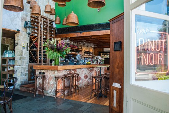 Firefly Bar  Dining - Victoria Tourism