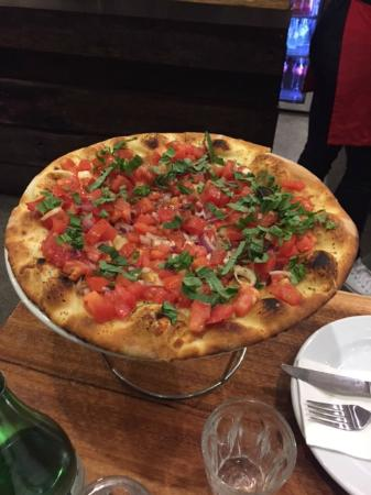 Fratelli's Wood Fired Pizza - Victoria Tourism