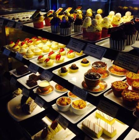 Temptations Cafe And Dessert bar - Victoria Tourism