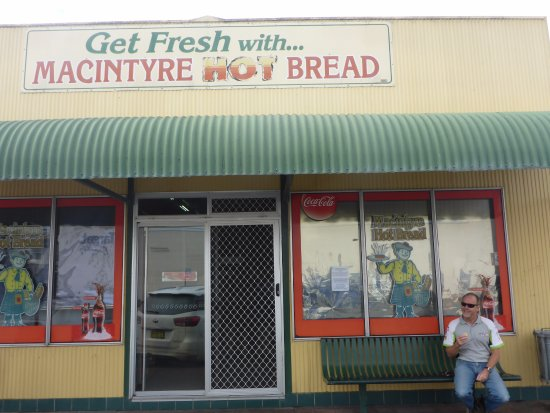 MacIntyre Hot Bread Shop - Victoria Tourism