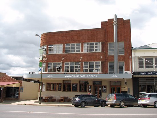 The Alpine Hotel Restaurant Cooma - Victoria Tourism