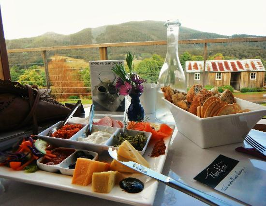 Hartzview Vineyard Cafe - Victoria Tourism
