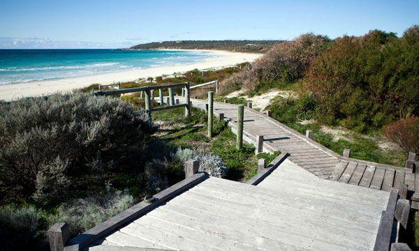 Bunkers Beach House - Victoria Tourism